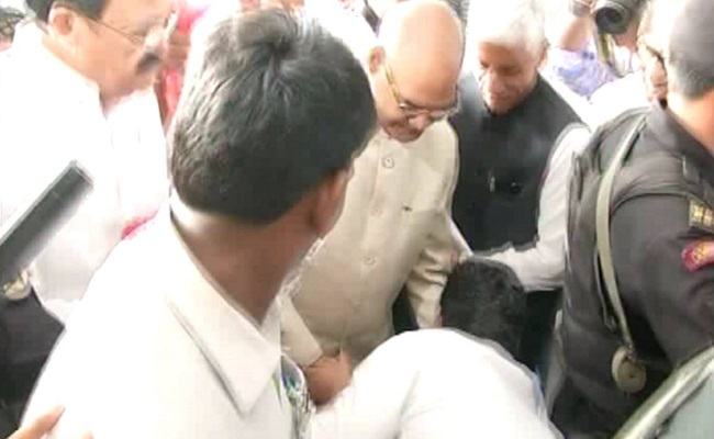 Jagan 's Humble Act Surprises Kovind